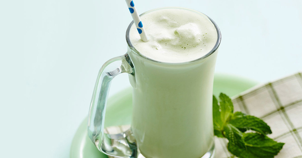 Low-Calorie Shamrock Shake Recipe | Hungry Girl