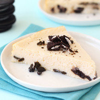 8 Low-Calorie Dessert Recipes: Oreo Cheesecake Dream Cake