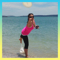 Calorie-Burning Summer Activities: Frisbee (175 calories per hour)
