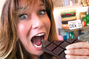 """The Chocolate Episode"" of Hungry Girl: Chew the Right Thing!"