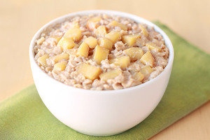 Healthy Recipes with Large Portion Sizes: Apple Growing Oatmeal