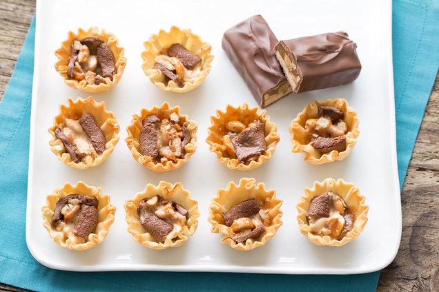 Mini Snickers Pies