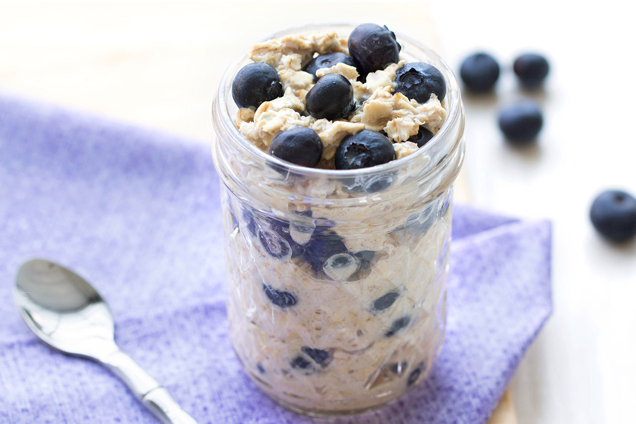 Watch Refrigerator Oatmeal with Bananas Berries video