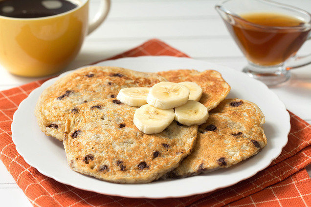 Hungry Girl's Healthy Flourless 5-Ingredient Banana Chocolate Pancakes Blender Recipe