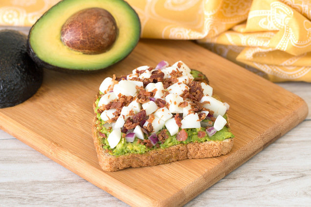 Hungry Girl's Healthy Egg 'n Bacon Avocado Toast Recipe