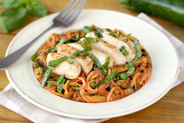 Hungry Girl's Healthy Z'paghetti alla Vodka with Chicken Recipe