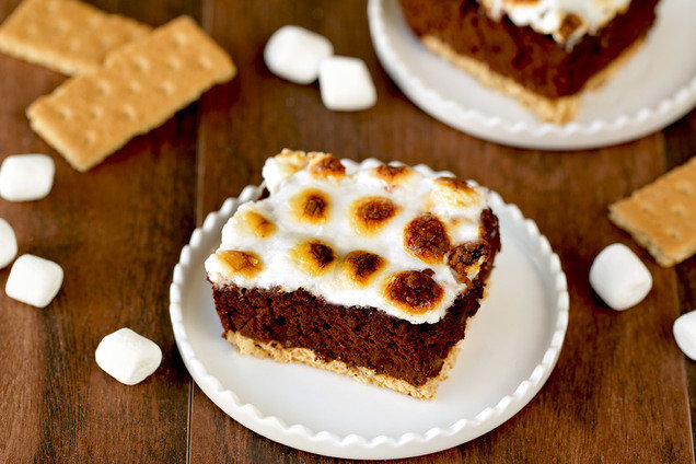 Hungry Girl's Low-Calorie Brownie S'mores Bake Recipe