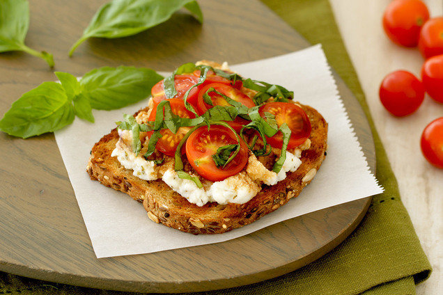 Hungry Girl's Healthy Caprese Ricotta Toast