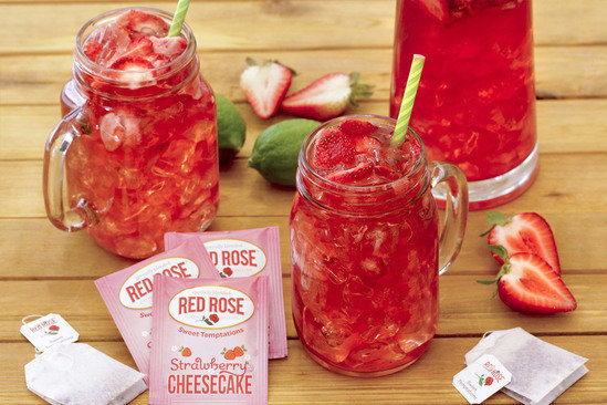 Hungry Girl's Healthy Strawberry Cheesecake Spritzer