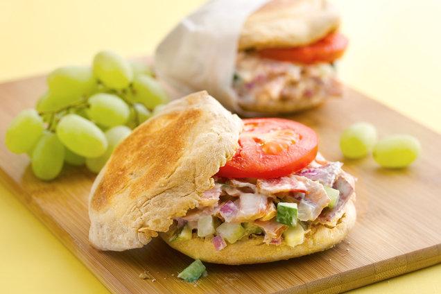 Hungry Girl's Healthy Slammin' Smoked Salmon 'n Bacon B-fast Sandwich Recipe