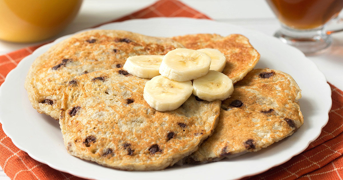 Healthy 5 Ingredient Flourless Banana Chocolate Chip Pancakes Hungry Girl