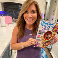 BREAKING CHEWS: All-New Hungry Girl Magazine Hits Stores This Weekend!