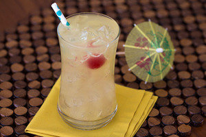 15 Cocktails Under 130 Cals You Can Order Anywhere: Get Creative
