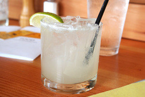 15 Cocktails Under 130 Cals You Can Order Anywhere: HG's On-the-Go Margarita