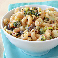 Healthy Thanksgiving Recipe Swaps: Roasted Veggie Mac & Cheese