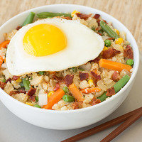 Healthy Bowl Recipes: Cauliflower Fried Rice Breakfast Bowl