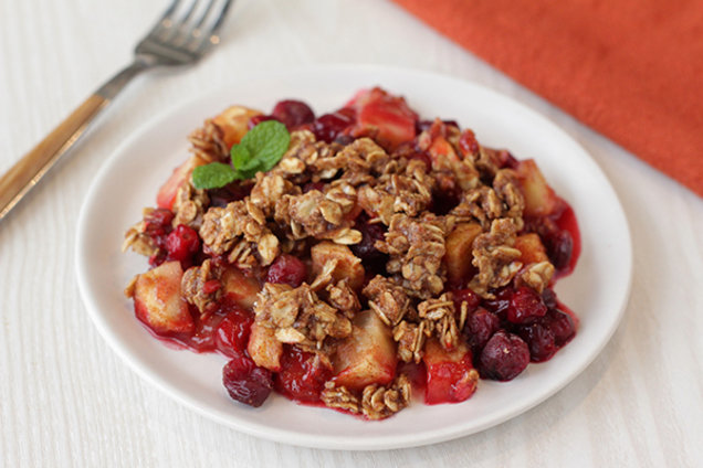 Crumbly Cran-Apple Crisp