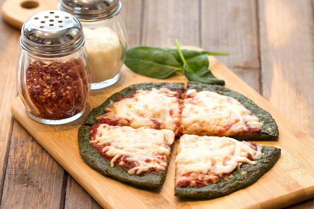 Hungry Girl's Healthy Spinach-Crust Pizza Recipe