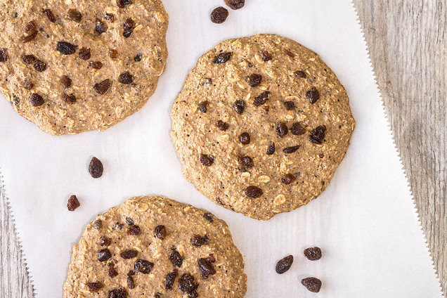 Hungry Girl's Healthy Oatmeal Raisin Breakfast Cookies Recipe
