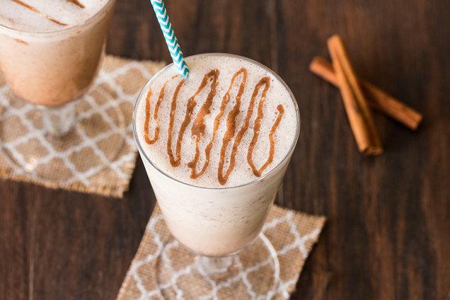 Hungry Girl's Healthy Cinnamon Bun Shake Recipe