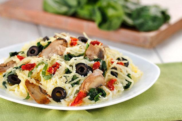 Hungry Girl's Healthy Creamy Mediterranean Spaghetti Squash Recipe