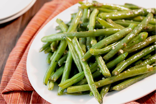 Hungry Girl's Healthy Garlic & Herb Green Beans Recipe