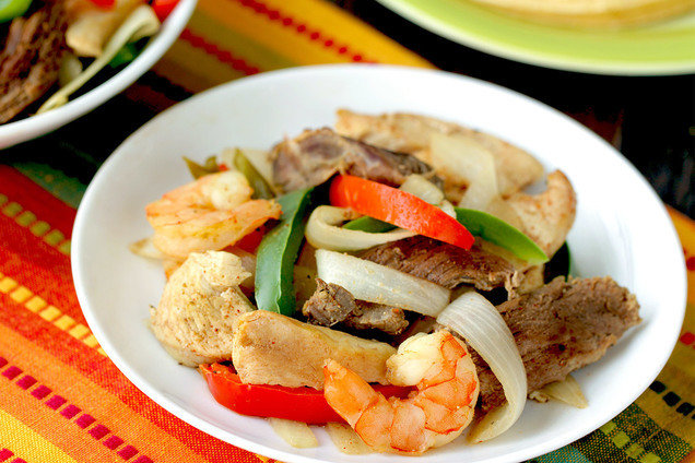 Hungry Girl's Healthy Slow Cooker Everything Fajitas Recipe
