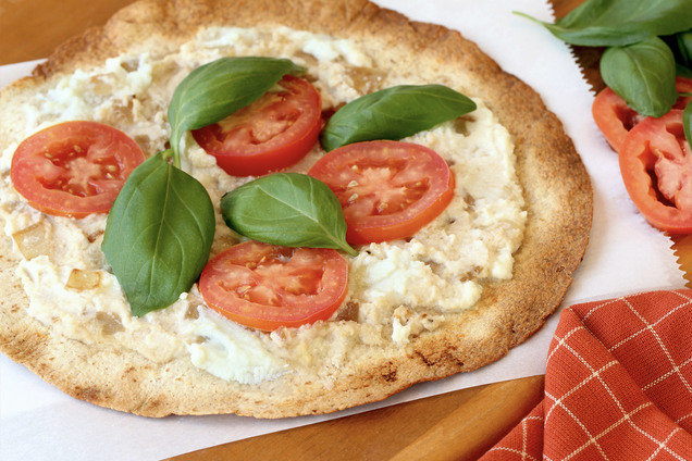 Hungry Girl's Healthy Crispy White Pizza Recipe