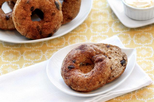 Hungry Girl's Healthy Thinnamon Raisin Bagels Recipe