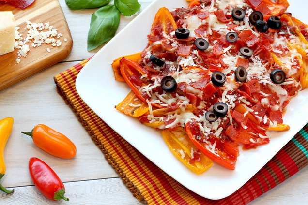 Hungry Girl's Healthy Mini Bell Pepper Pizza Nachos Recipe