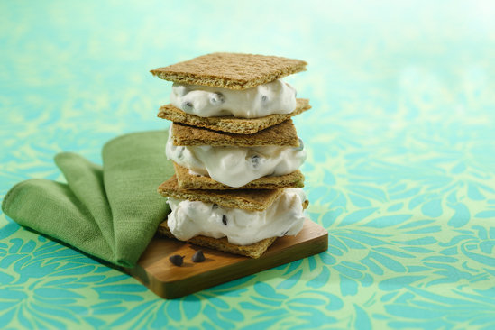 Hungry Girl's Healthy Gimme Gimme S'mores Sandwich Recipe
