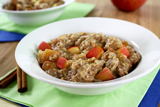 Hungry Girl's Healthy Slow-Cooker Cinnamon-Apples 'n Oats