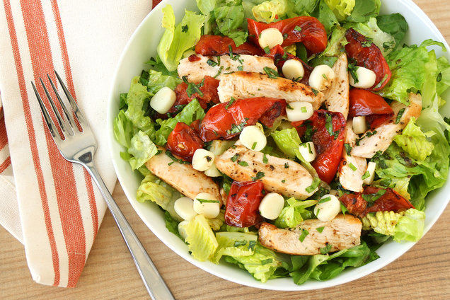 Hungry Girl's Healthy Grilled Chicken Caprese Salad Recipe