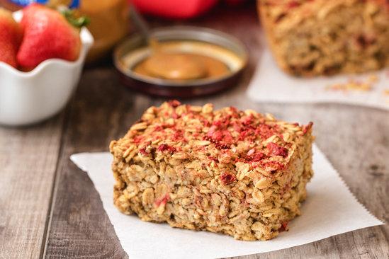 Hungry Girl's Healthy PB&J Oatmeal Bake Recipe