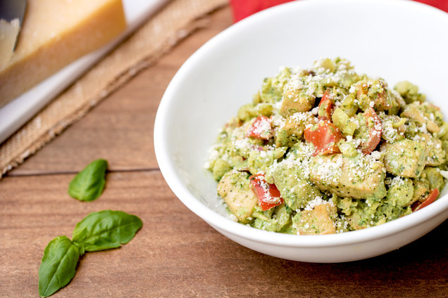 Hungry Girl's Healthy Creamy Pesto Chicken Skillet Recipe