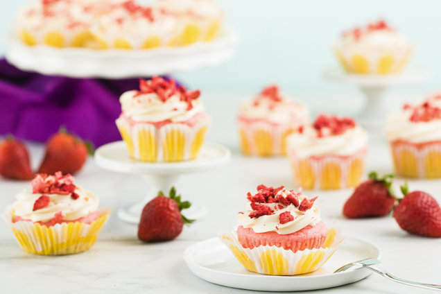 Hungry Girl's Healthy Strawberries & Cream Cupcakes Recipe