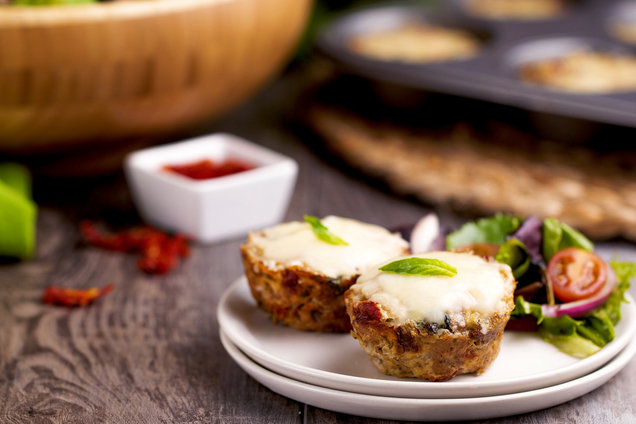 Hungry Girl's Healthy Sun-Dried Tomato & Mozzarella Meatloaf Minis Recipe