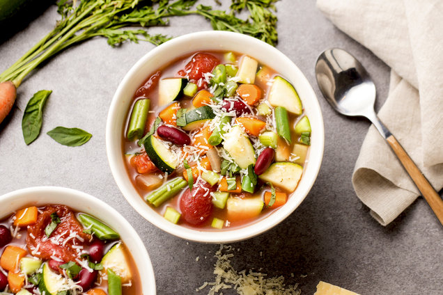 Hungry Girl's Healthy Slow-Cookin' Minestrone Soup Recipe