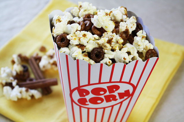 Hungry Girl's Healthy HG's Ultimate Movie-Viewing Snack Mix Recipe