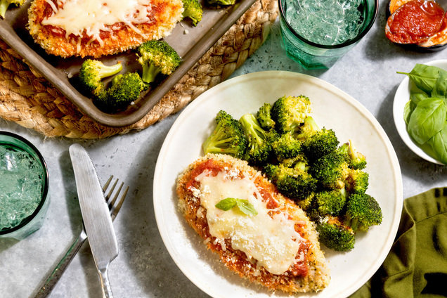 Hungry Girl's Healthy Sheet-Pan Chicken Parm Recipe