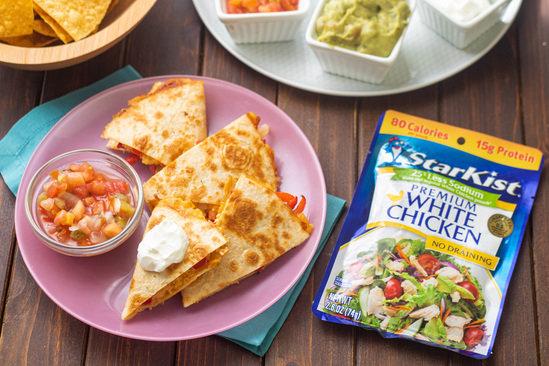 Hungry Girl's Healthy Chicken Fajita Quesadilla Recipe