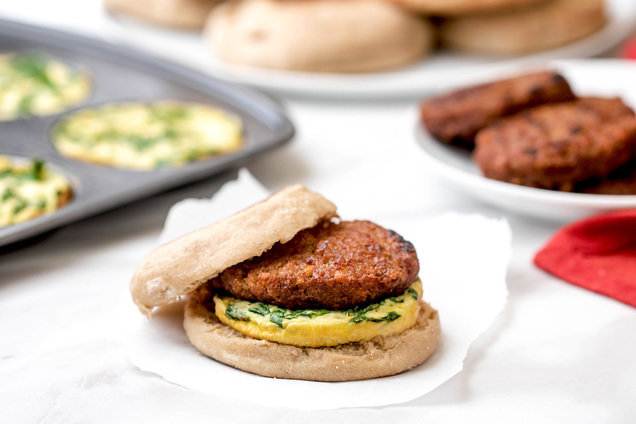 Hungry Girl's Healthy Sausage Florentine Breakfast Sandwiches Recipe