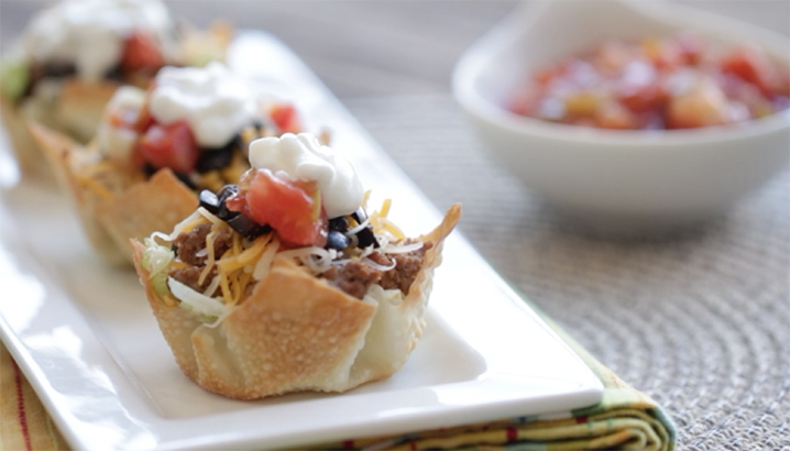 Hungry-Girl Video: Tiny Taco Salads