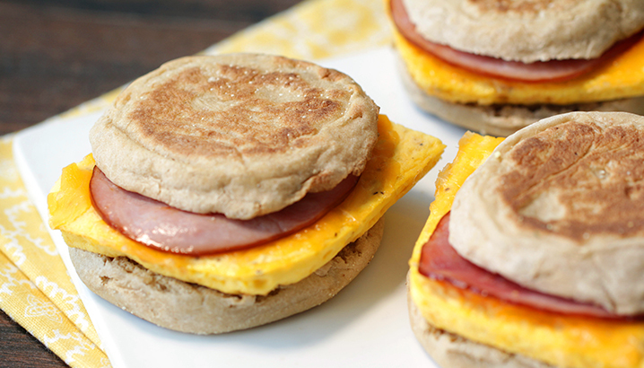 Hungry-Girl Video: Easy Freezy Breakfast Sandwiches