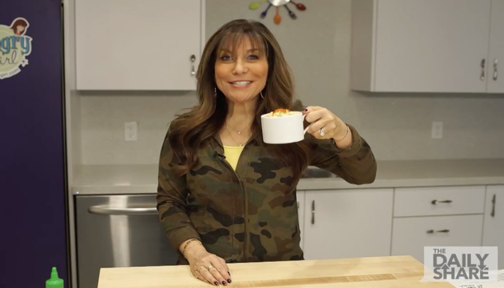 Hungry-Girl Video: HLN: Sriracha Egg Mug (January 2015)