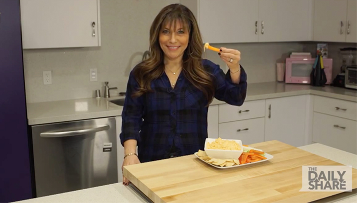 Hungry-Girl Video: HLN: Buff Chick Hot Wing Dip (January 2015)