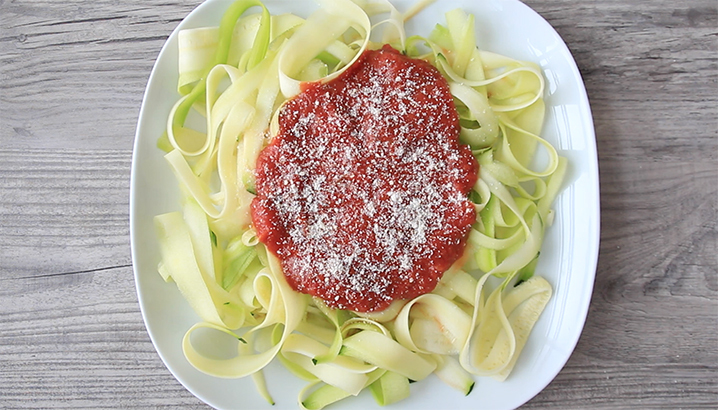 Hungry-Girl Video: Zucchini Marinara Pasta Swap